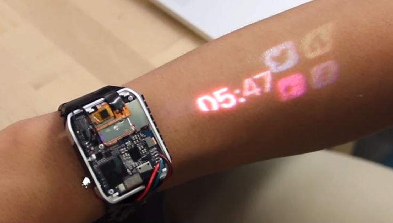 ساعت هوشمند پروژکتور دار - گاتریا   دنیای فناوری