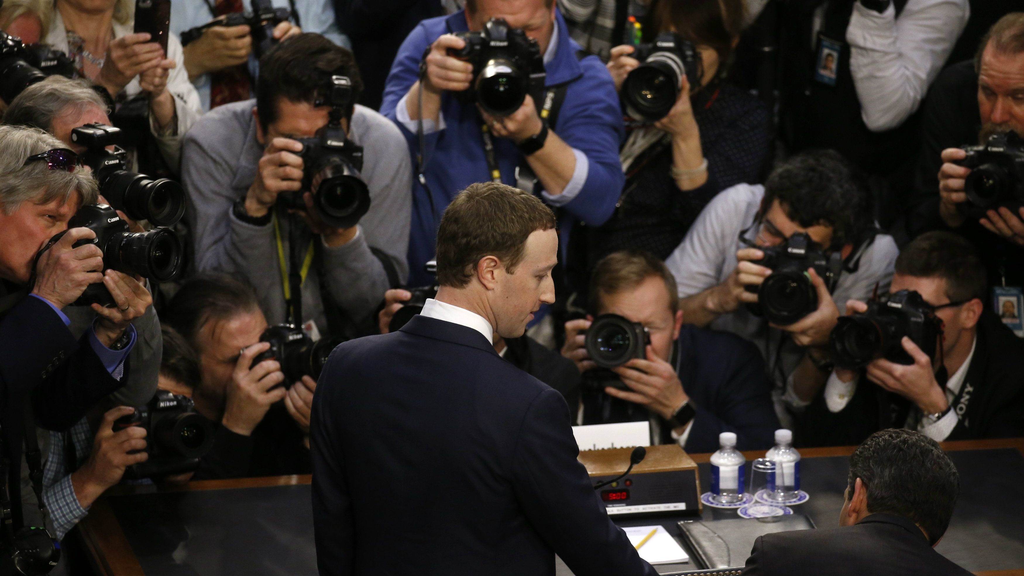 زاکربرگ - فیسبوک - گاتریا | دنیای فناوری