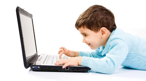 لپ تاپ و کودکان - گاتریا | دنیای فناوری